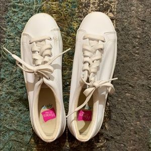 90s Hanes White Leather Shoes!